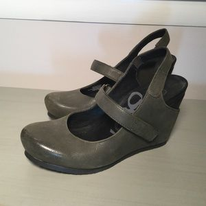 OTBT~Leather Wedge Mary Janes ~ Like New ~